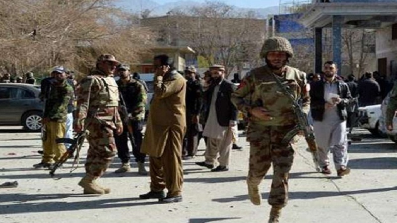 पाकिस्तान में अज्ञात बंदूकधारियों ने 14 की गोली मारकर की हत्या