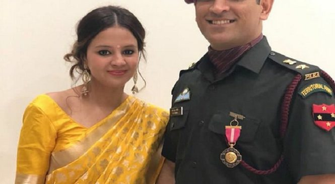 क्रिकेटर महेंद्र सिंह धोनी अब दो महीने करेेंगे भारतीय सेना के साथ ट्रैनिंग