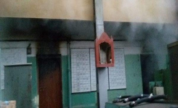झांसी में रेलवे वर्कशॉप में आग लगने से मचा हड़कंप, फायर ब्रिगेड की गाड़ियों ने मशक्कत के बाद पाया काबू