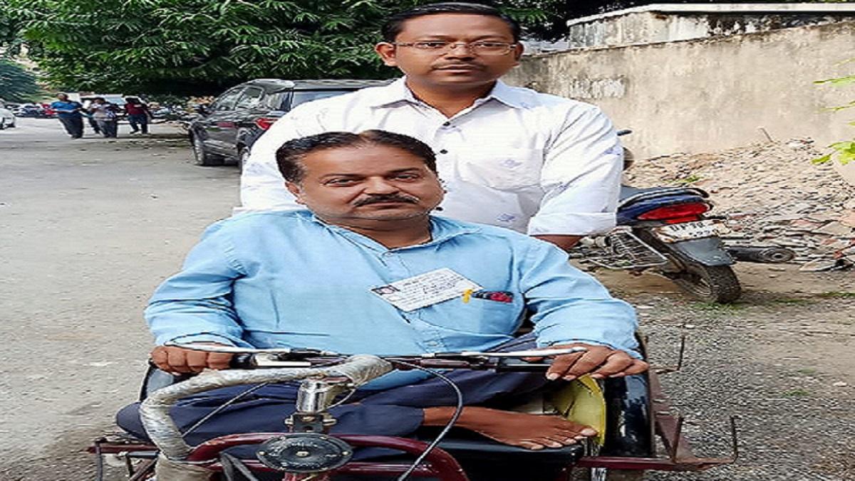 लखनऊ-कानपुर-चित्रकूट समेत यूपी में 11 सीटों पर मतदान जारी, शुरुआती दो घंटे में ऐसी तस्वीर