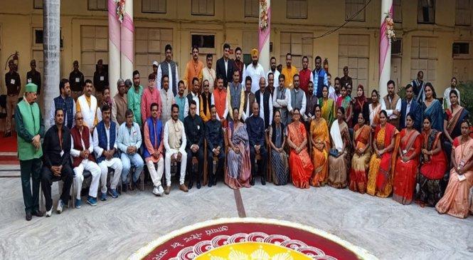 दो दिन के कार्यक्रम में कानपुर पहुंचे राष्ट्रपति, पूर्व छात्रों से की यह अपील..