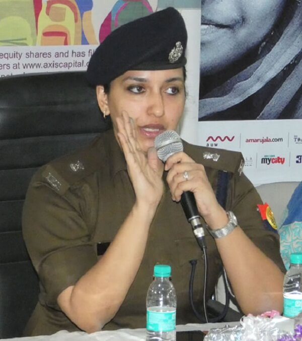 Kanpur SP South Raveena Tyagi transferred, Aparna Gupta new SP