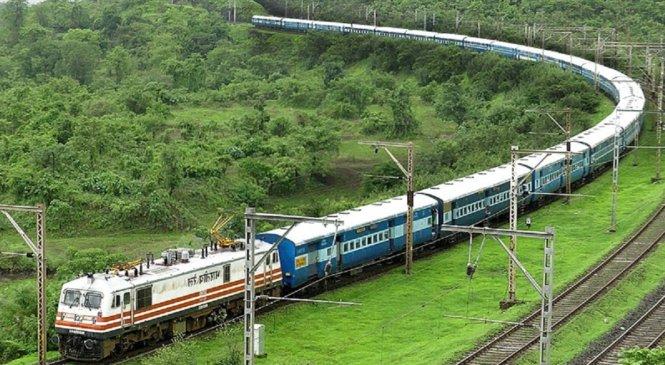 73 ट्रेनें निरस्त, कहीं जाने कर रहे हैं प्लेनिंग तो जरूर पढ़ें ये खबर..