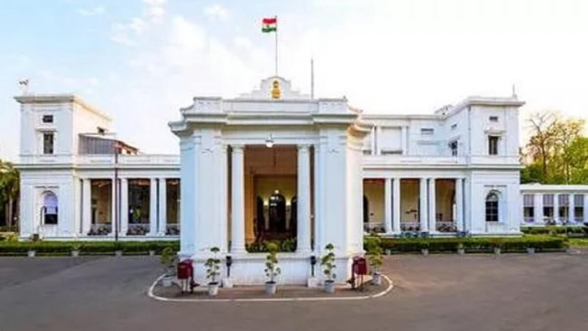 Naxalite organization threatens to blow up UP Raj Bhavan