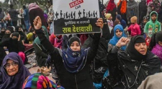 सीएएः लखनऊ में मुनव्वर राणा की दो बेटियों समेत 150 पर मुकदमा, सख्त एक्शन की तैयारी
