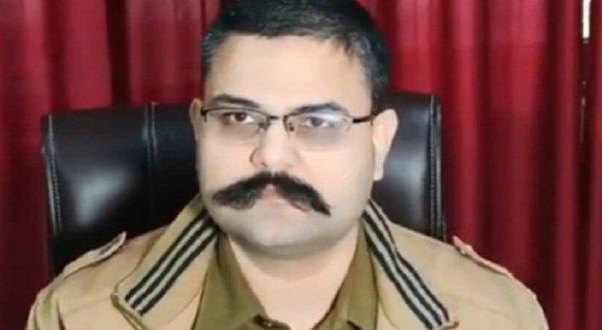 बड़ी कार्रवाईः नोएडा के SSP वैभव कृष्ण सस्पैंड, बांदा-सुल्तानपुर समेत 5 जिलों के एसपी हटे, जांच शुरू