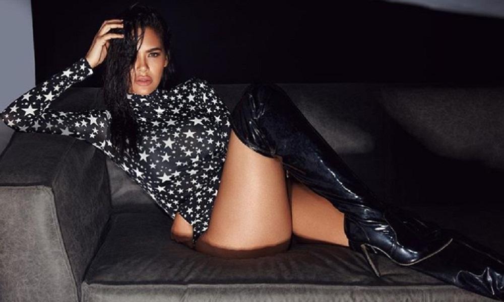Bollywood Actress Esha gupta latest bikni photo