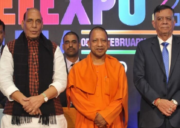 Defence Expo in lko defence minister rajnath singh and cm yogi
