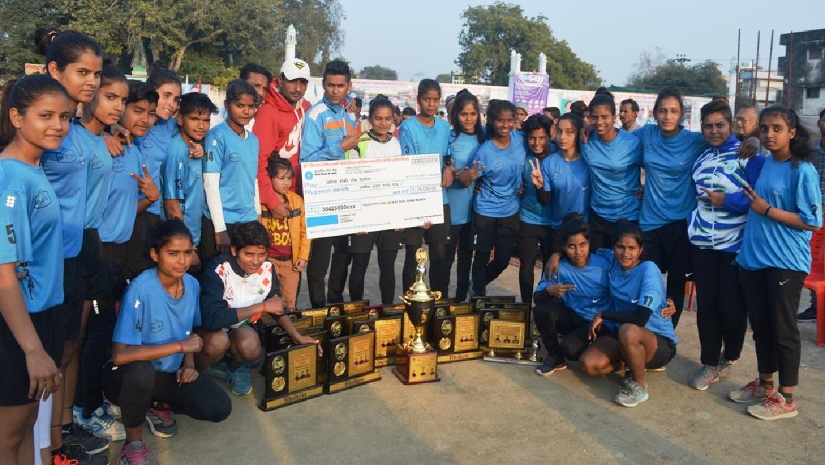 बांदा में हाॅकी टूर्नामेंटः भोपाल की महिला टीम और लखनऊ स्पोर्ट्स कालेज ने मारी बाजी