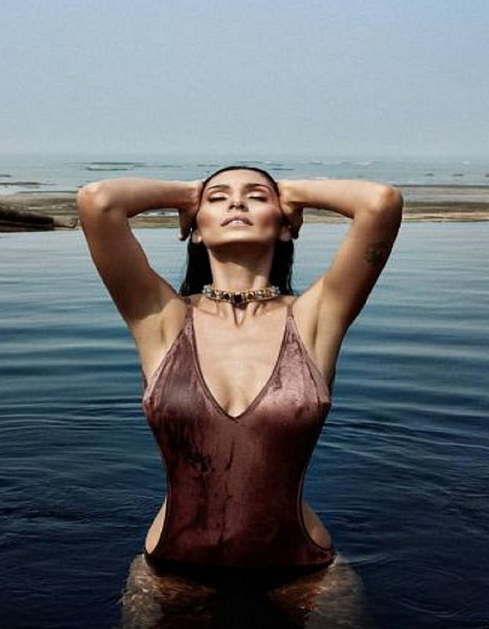 actress bruna abdullah hot photo in bikni