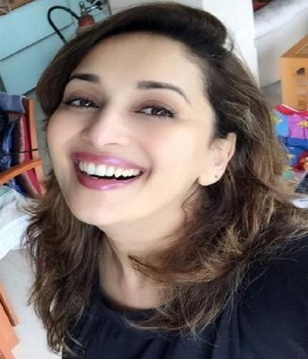 madhuri dixit actress show sadness on death of bengali actress tapas pal