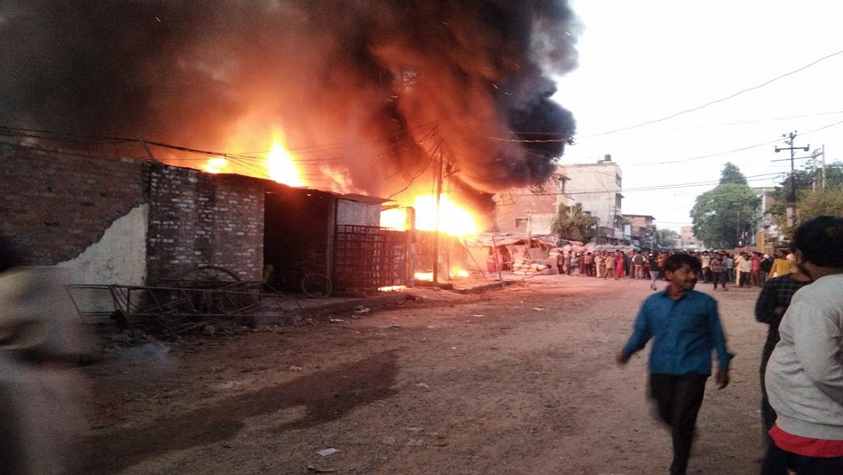 fire in kanpur juhi palstic factory