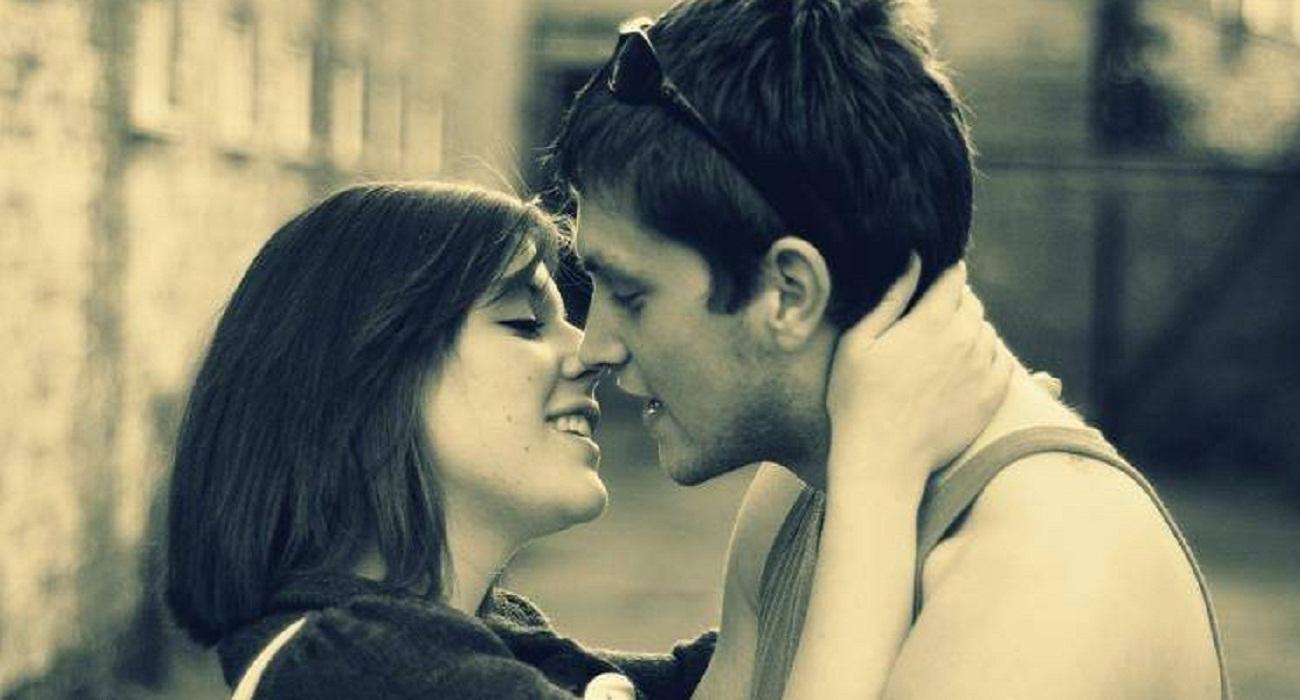 Girl cut boy's tongue during kissing