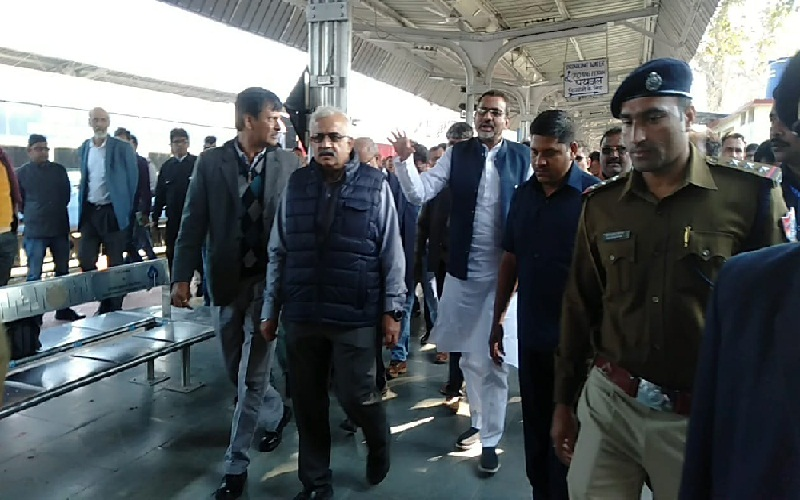 Prayagraj Railway General Manager and MP RK Singh Patel inspected Chitrakoot (Karvy) station