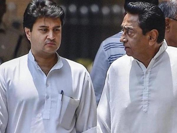बड़ी खबरः PM मोदी से सिंधिया की मुलाकात, चंद घंटों की कमलनाथ सरकार.!
