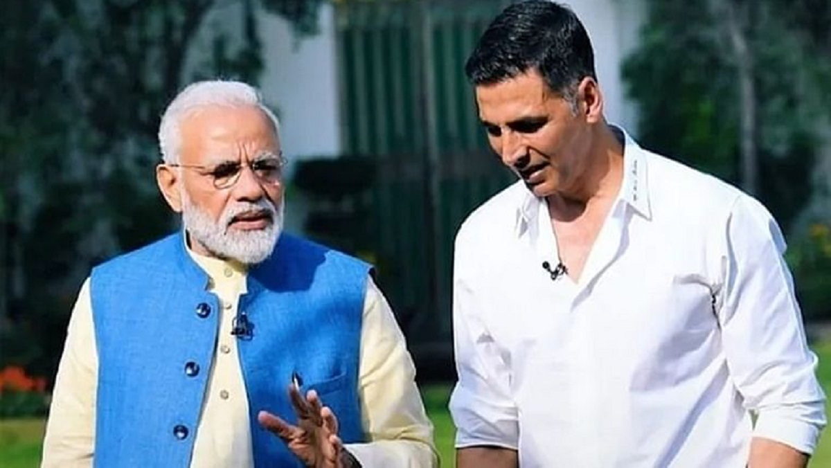 Bollywood actor Akshay Kumar donated Rs 25 crore to Jung from Corona