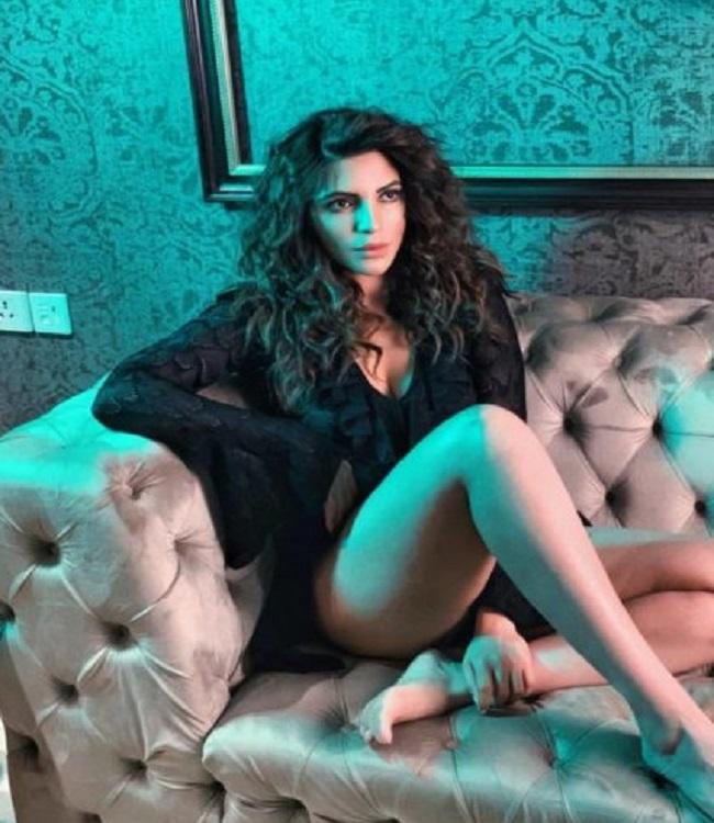 Bollywood actress spoke on Corona lockdown, situation is dangerous