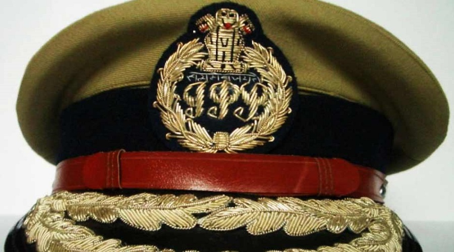 10 Ips officers transffer in Up prashant kumar new adg law and order in up