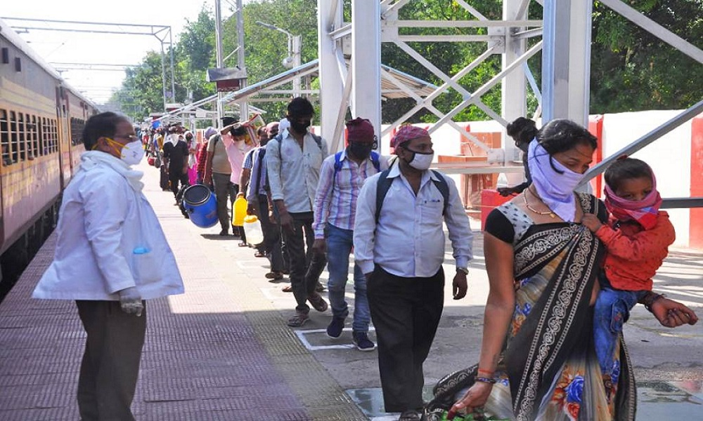 Banda arrived another labor special train today 1699 workers returned home