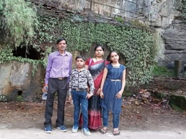 Daughter's death hurt father poisoning wife and son, all three die