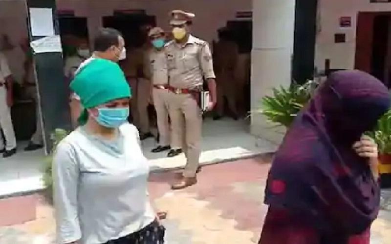 UP: Sex racket revealed, 8 girls and 7 boys arrested including female leader