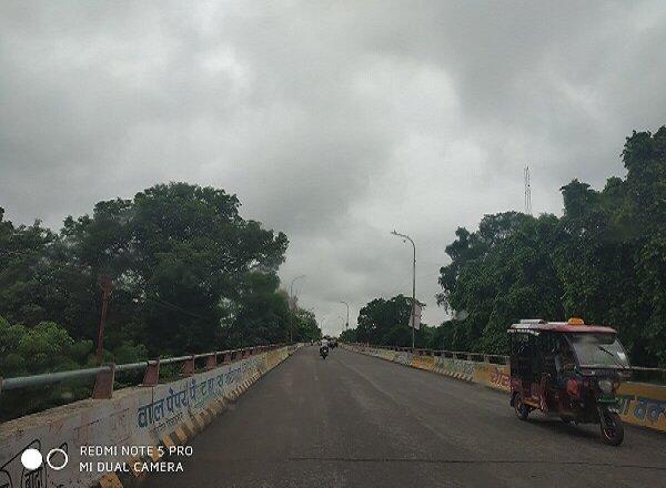 मौसम अलर्ट : बुंदेलखंड के इन 6 जिलों समेत UP में भारी बारिश की संभावना