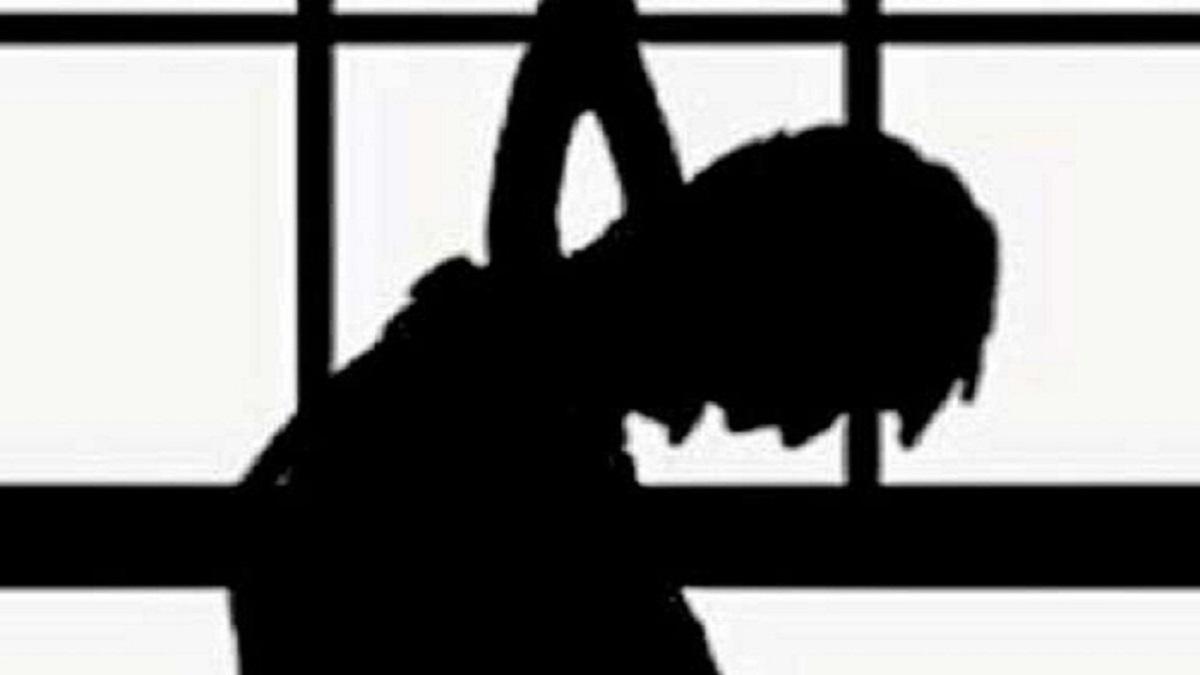Breaking : बांदा में मामा के घर पहुंचा युवक, फिर फांसी पर लटकता मिला