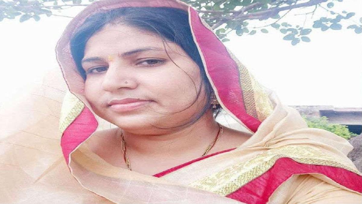 अलीगढ़ में रालोद को तगड़ा झटका, उम्मीदवार सुमन दिवाकर का नामांकन रद्द
