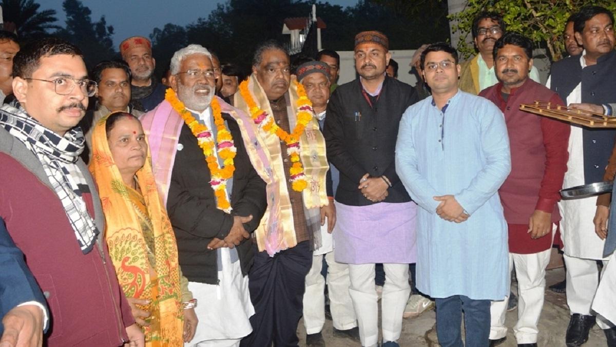 बांदा में भाजपा प्रदेश अध्यक्ष ने कहा, गौ सेवा को आगे आएं युवा, खत्म होगी अन्ना समस्या