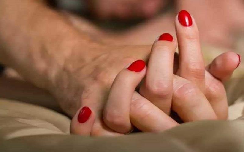 कोरोना वायरस का सेक्स लाइफ पर क्या असर, पढ़िए एक्सपर्ट की राय