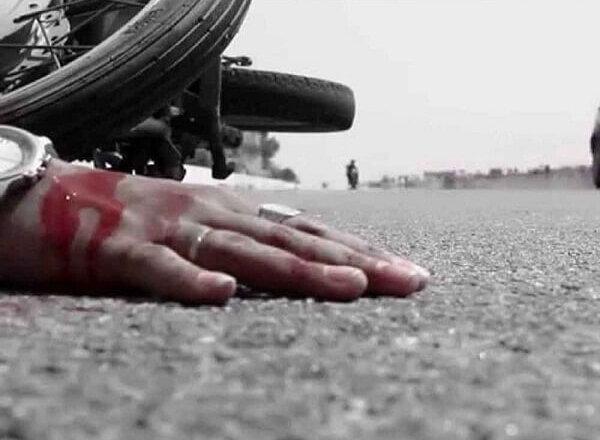 Banda Breaking : बांदा में बाइक-ट्रैक्टर की टक्कर में युवक की मौत