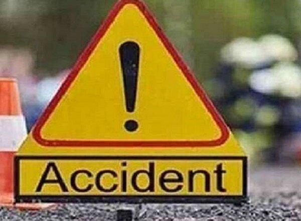 Breaking : फतेहपुर-बांदा हाइवे पर ट्रकों की भीषण टक्कर, 1 की मौत-दो घायल, 6 घंटे जाम