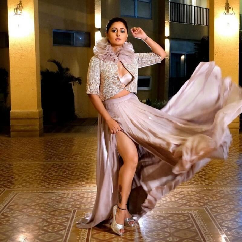 Actress Rashmi Desai : Rashmi Desai dominated internet with new photos