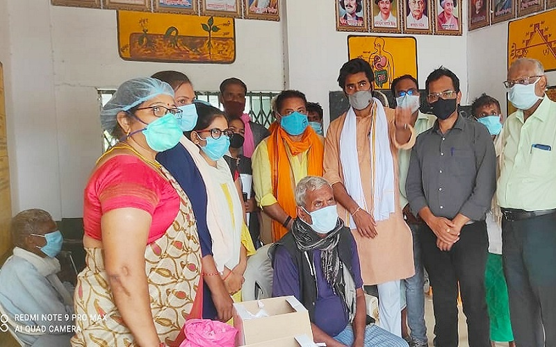 Covid 19 Vaccination : In Bundelkhand, Raja Bundela will go from village to village to make people aware