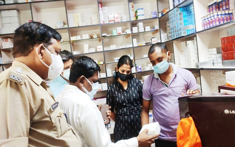CMO and City Magistrate raided private hospital in Banda, serious irregularities