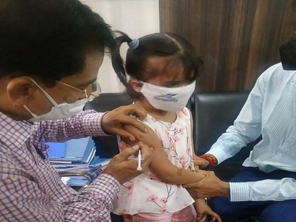 Children's corona vaccine : Corona vaccine trial on 2-year-old girl in Kanpur