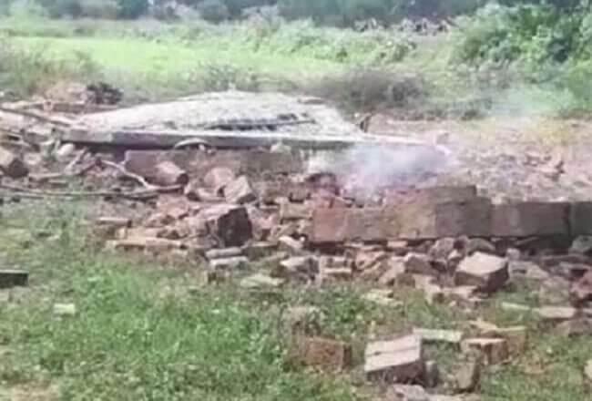Breaking News : हमीरपुर में आतिशबाजी कारखाने में धमाका, दो रेफर-मकान जमींदोज